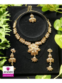 Charming Floral Design set with Silver and Gold stone work