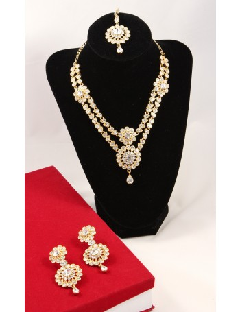 Elegant Bridal Jewellery Set with white stones