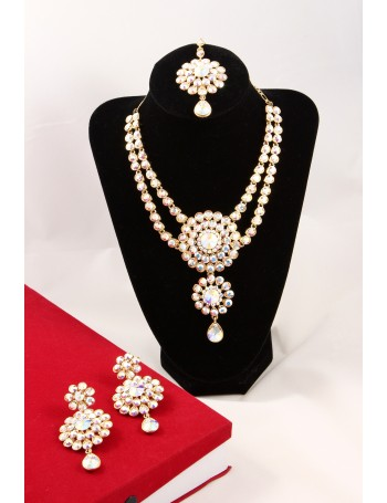 Elegant Bridal Jewellery Set with brilliant Rainbow Stones